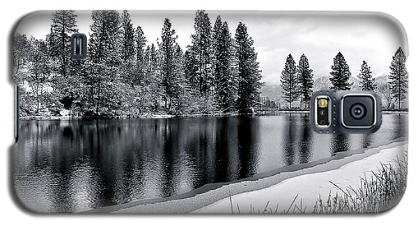 Galaxy S5 Case featuring the photograph Pond In Snow by Julia Hassett