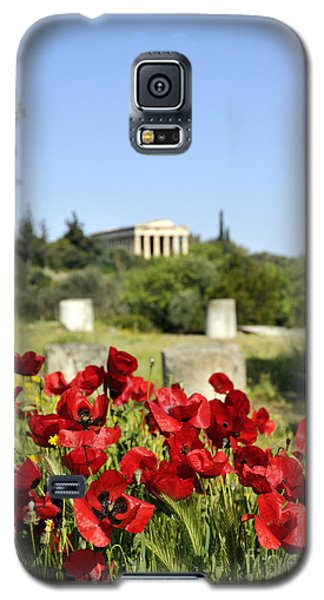 Galaxy S5 Case featuring the photograph Poppy Flowers In Ancient Market by George Atsametakis