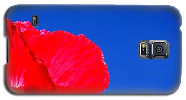 Galaxy S5 Case featuring the photograph Poppy Sky by Baggieoldboy