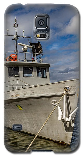 Galaxy S5 Case featuring the photograph Portrait Of Ship by Rob Green