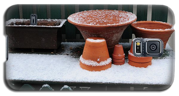 Galaxy S5 Case featuring the photograph Potting Bench In Snow 11 by Vinnie Oakes