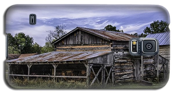 Galaxy S5 Case featuring the photograph Pottsville Arkansas Historic Log Barn by Betty Denise