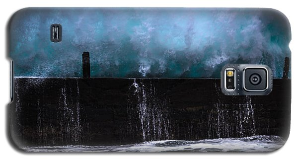 Galaxy S5 Case featuring the photograph Powerful by Edgar Laureano