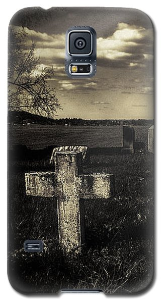 Prairie Graves Galaxy S5 Case by Jean OKeeffe Macro Abundance Art