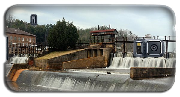 Galaxy S5 Case featuring the photograph Prattville Dam Prattville Alabama by Charles Beeler