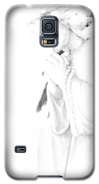 Galaxy S5 Case featuring the photograph Pray by Linda Shafer