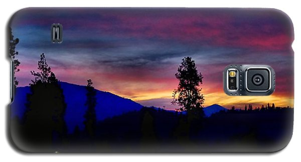 Galaxy S5 Case featuring the photograph Pre-dawn Hues by Julia Hassett