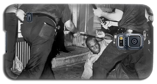 Protester Clubbed In Harlem Galaxy S5 Case by Underwood Archives