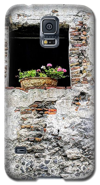 Puebla Window Flowers Galaxy S5 Case