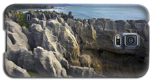 Punakaiki Pancake Rocks #2 Galaxy S5 Case by Stuart Litoff
