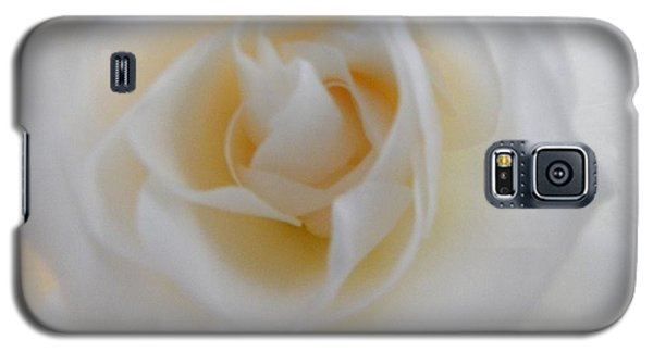 Galaxy S5 Case featuring the photograph Purity by Deb Halloran