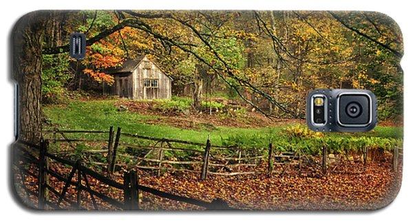 Rustic Shack- New England Autumn  Galaxy S5 Case