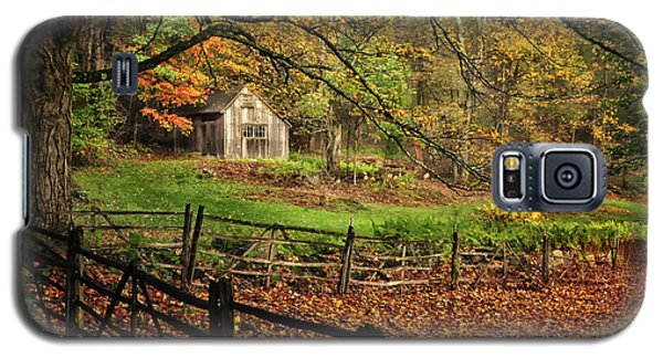Rustic Shack- New England Autumn  Galaxy S5 Case