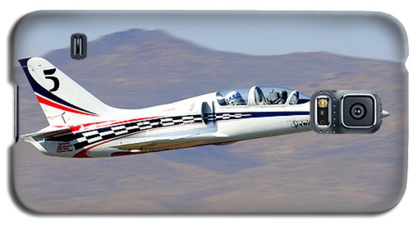 R2d2 Flies At The Reno Air Races Galaxy S5 Case