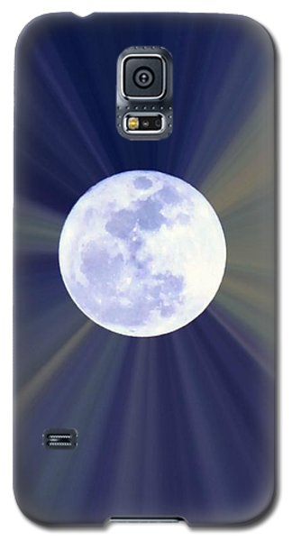 Galaxy S5 Case featuring the photograph Radiant Moon by Kelly Nowak