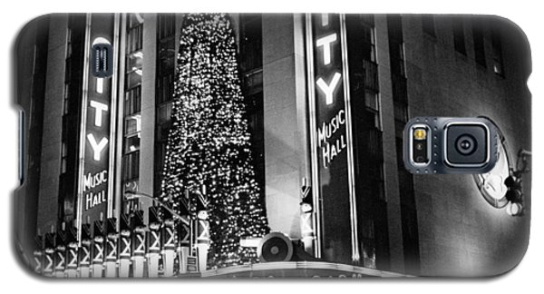 Galaxy S5 Case featuring the photograph Radio City New York by Dave Beckerman