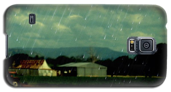 Rain Over Grantham Galaxy S5 Case by Therese Alcorn
