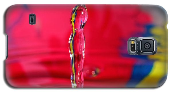 Galaxy S5 Case featuring the photograph Rainbow Drop by Peter Lakomy