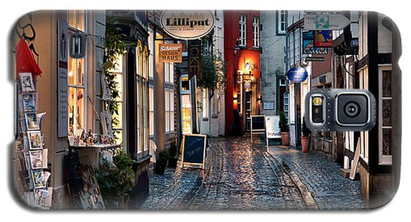 Rainy Evening In Old Town Galaxy S5 Case by Ari Salmela