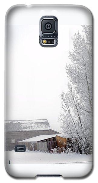Ranch In Frozen Fog Galaxy S5 Case by Kae Cheatham