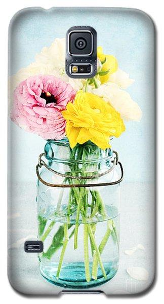 Ranunculus In A Mason Jar Galaxy S5 Case