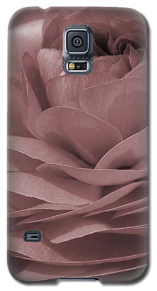 Galaxy S5 Case featuring the photograph Ranunculus Red by Jean OKeeffe Macro Abundance Art