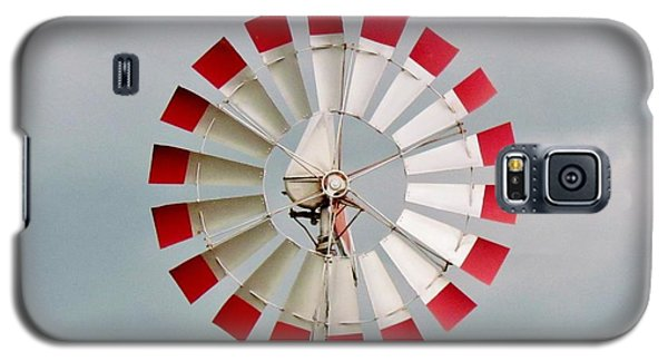 Galaxy S5 Case featuring the photograph Red And White Windmill by Cynthia Guinn