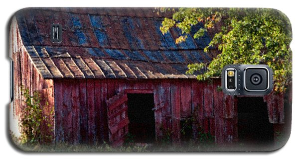 Red Barn Eleven Galaxy S5 Case by Ken Frischkorn