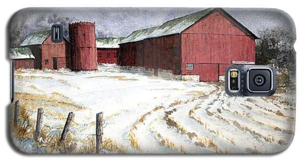 Red Barn On Rt. 49 Galaxy S5 Case by Roger Rockefeller