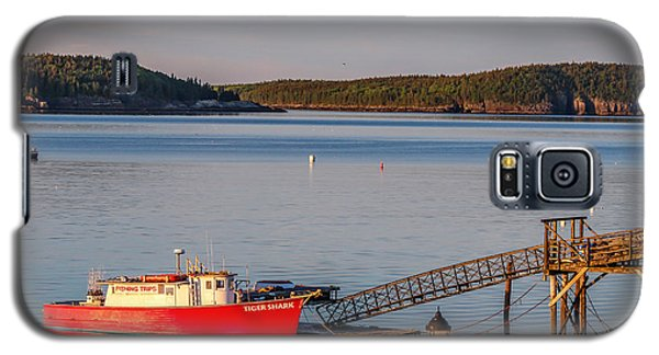 Galaxy S5 Case featuring the photograph Red Boat Bar Harbor Me by Trace Kittrell