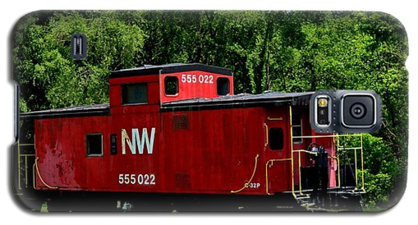 Galaxy S5 Case featuring the photograph Red Caboose by Cathy Shiflett