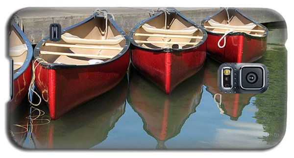 Red Canoes Galaxy S5 Case by Marcia Socolik