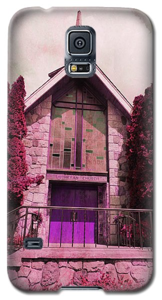 Galaxy S5 Case featuring the photograph Red Church by Laurie Tsemak