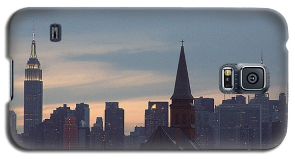 Galaxy S5 Case featuring the photograph Red Church by Steven Macanka