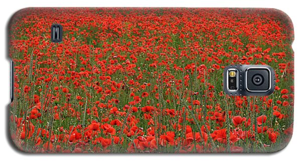 Galaxy S5 Case featuring the photograph Red Field by Simona Ghidini