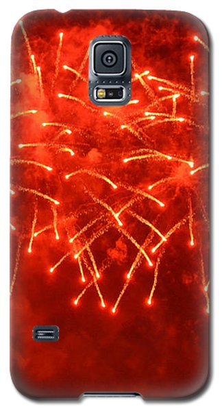 Red Hot Fireworks Galaxy S5 Case by Darla Wood
