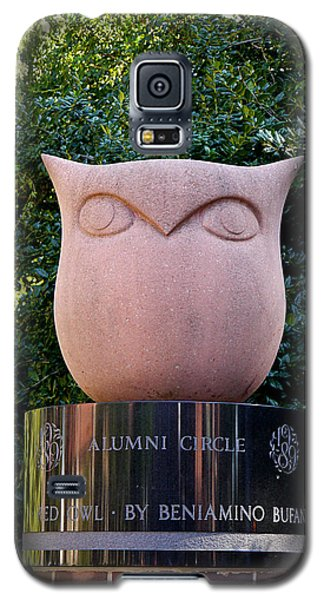 Red Owl At Temple Galaxy S5 Case by Richard Reeve