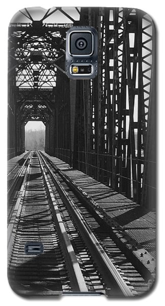 Galaxy S5 Case featuring the photograph Red River Train Bridge #3 by Robert ONeil