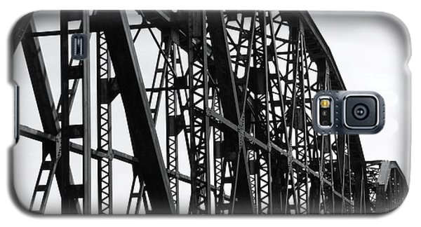 Galaxy S5 Case featuring the photograph Red River Train Bridge #4 by Robert ONeil