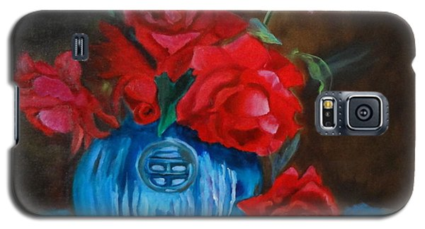 Galaxy S5 Case featuring the painting Red Roses And Blue Vase by Jenny Lee