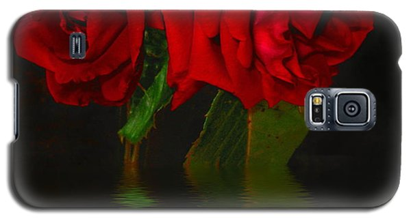 Red Roses Reflected Galaxy S5 Case