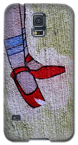 Galaxy S5 Case featuring the photograph Red Shoes by Robert Riordan