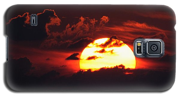 Red Sky At Night Galaxy S5 Case by Bradford Martin