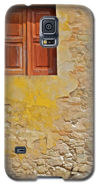 Red Weathered Wood Window Of The Medieval Village Of Obidos Galaxy S5 Case