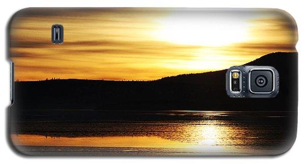 Galaxy S5 Case featuring the photograph Reflection On Lake Klamath by Jennifer Muller