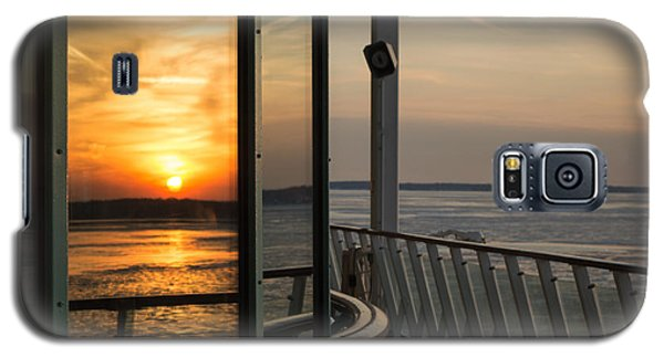 Galaxy S5 Case featuring the photograph Reflections Of A Chesapeake Sunset by Bill Swartwout
