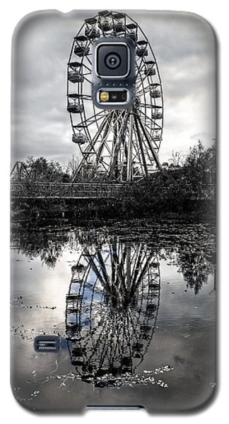 Reflections Of The Wheel Galaxy S5 Case