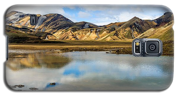 Galaxy S5 Case featuring the photograph Reflections On Landmannalaugar by Peta Thames