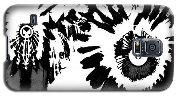 Galaxy S5 Case featuring the photograph Regalia 3 by Clarice  Lakota