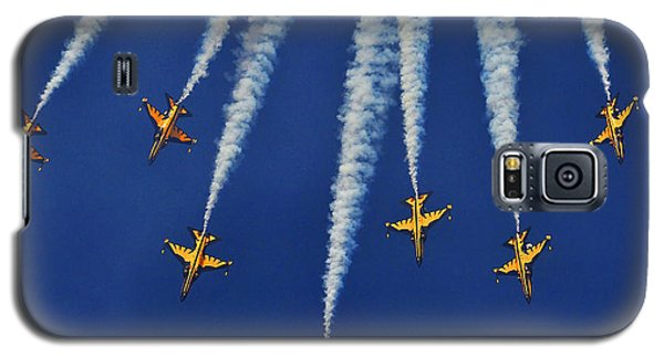Galaxy S5 Case featuring the photograph Republic Of Korea Air Force Black Eagles by Science Source